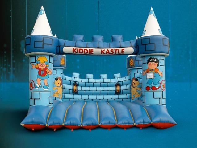 Méga château fort gonflable