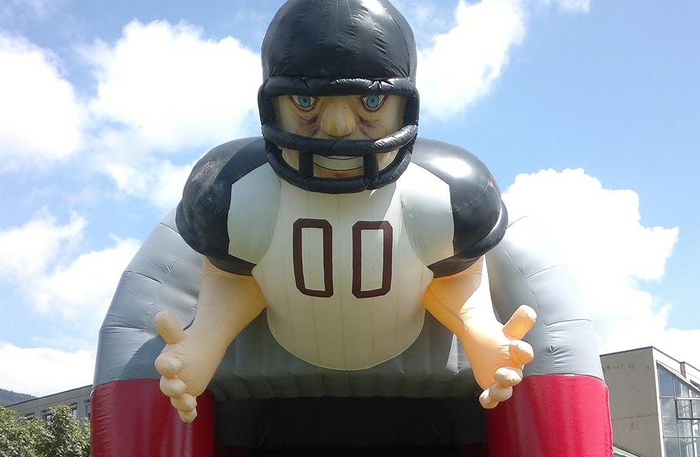 Jeu gonflable quarterback challenge